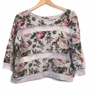3/$30 Gray Floral Striped 3/4 Sleeve Crewneck Top